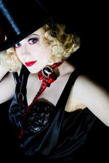 Catherine Antoine show cabaret burlesque